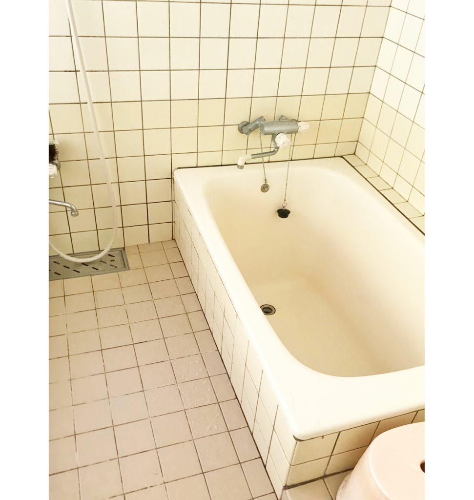 20年前のタイル仕上げの浴室